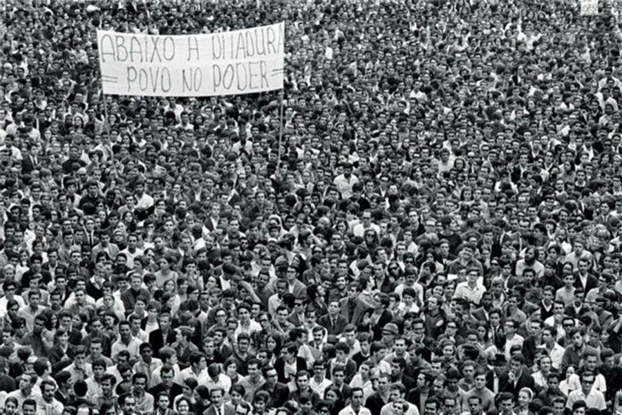 Passeata dos Cem Mil. Foto: Evandro Teixeira, 1968.