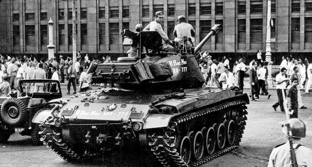 Tropas mineiras se deslocam em Brasília em 4 de abril de 1964. No mesmo dia, Jango fugiu para o exílio. Foto: Reprodução