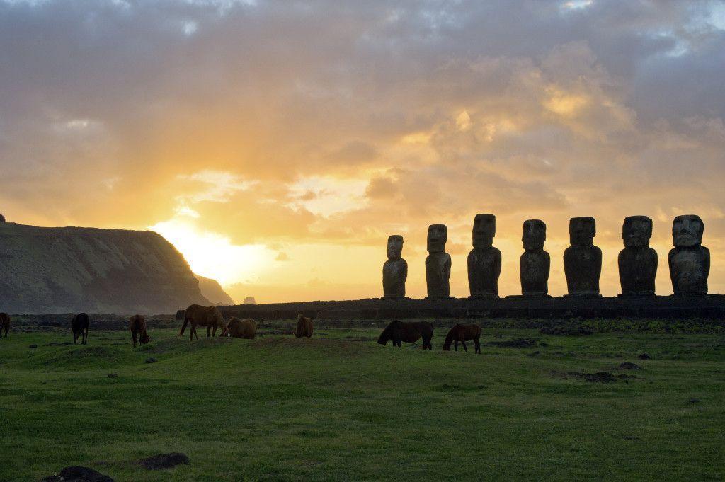 Moais da ilha de Páscoa. Foto: Getty Images