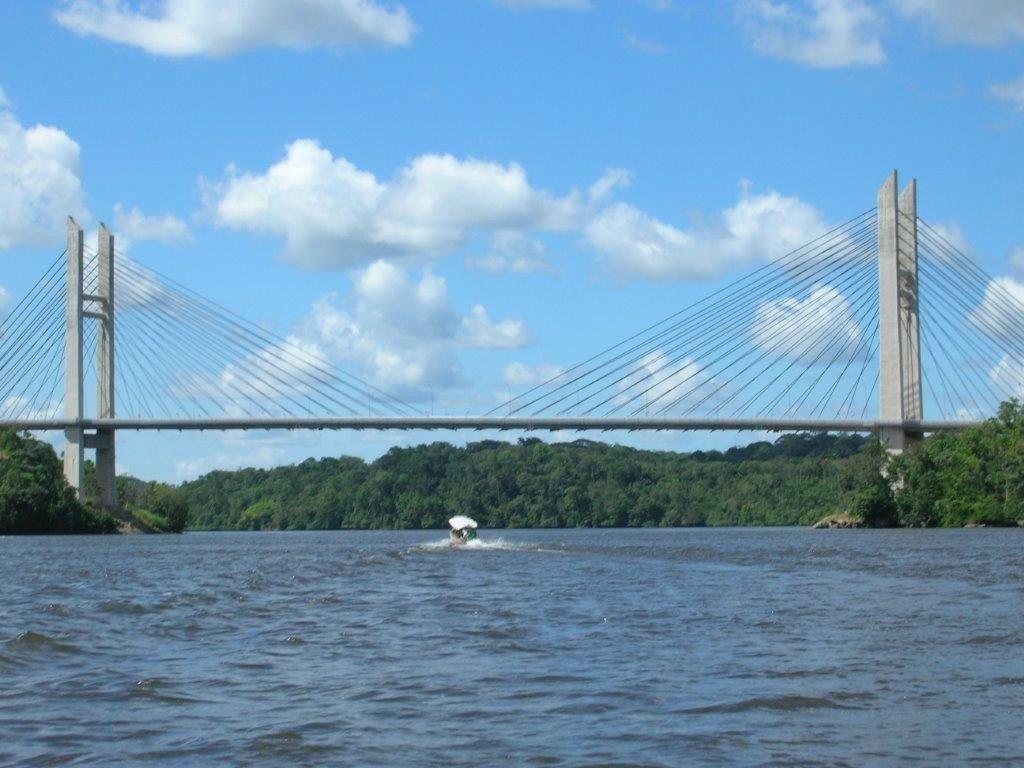 Ponte Binacional (Brasil/França) localizada no município de Oiapoque ligando a Guiana Francesa. Foto: Reprodução