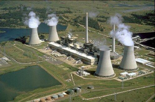 Instalações típicas de uma usina nuclear. Imagem: Wikimedia Commons.