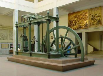 Máquina a vapor desenvolvida por James Watt. Imagem: Wikimedia Commons.