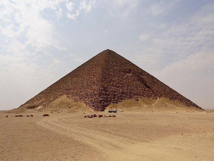 Pirâmide Vermelha. Imagem: Wikimedia Commons.
