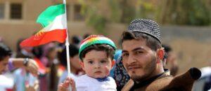 Curdos de duas gerações.