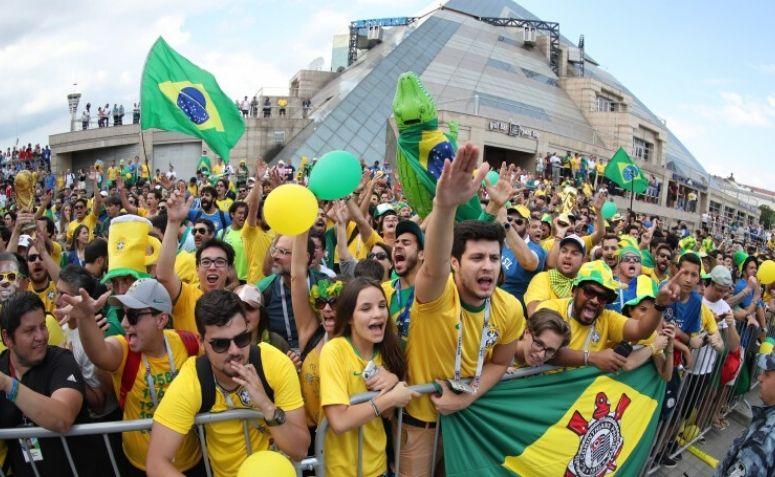 Exemplo de cultura de massa: futebol.
